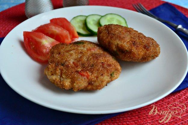 фото рецепта: Куриные котлеты с болгарским перцем и зеленью