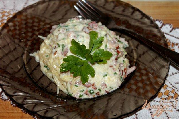 фото рецепта: Спагетти в сливочном соусе с копченой грудинкой и тыквой