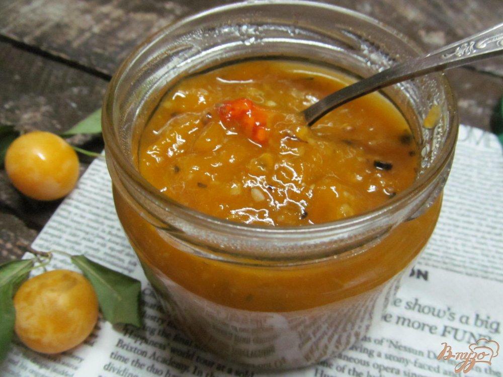 Фото приготовление рецепта: Соус из алычи кисло-сладкий шаг №7