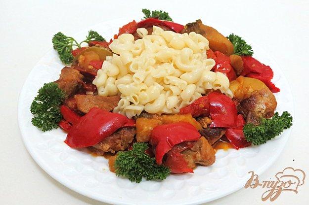 фото рецепта: Свинина тушёная с овощами на сковороде