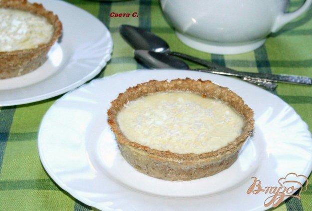 фото рецепта: Овсяные тарталетки с кокосовым крем-брюле