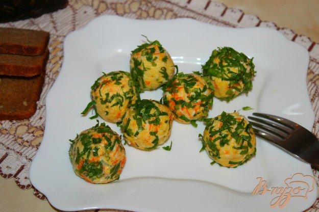 фото рецепта: Овощные шарики с яйцом в зелени