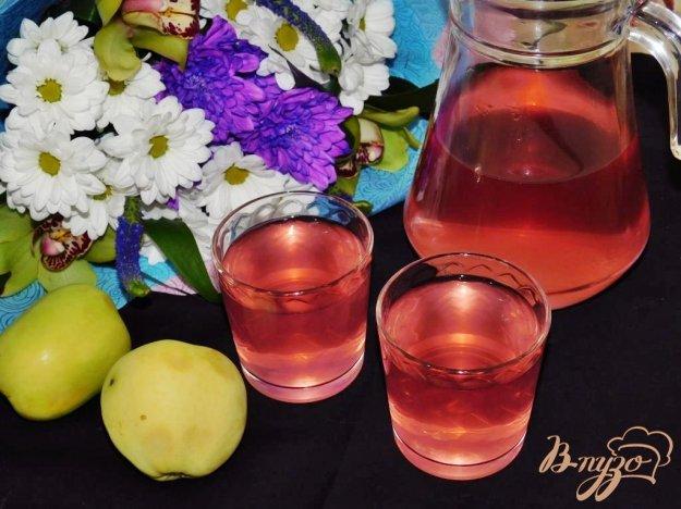фото рецепта: Яблочный компот с черноплодной рябиной