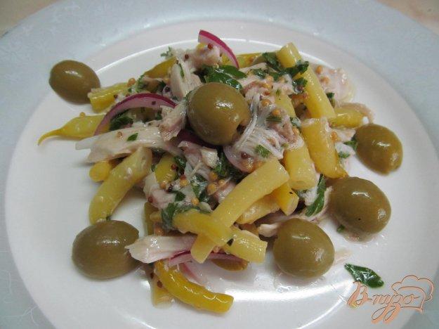 фото рецепта: Салат из стручковой фасоли с куриным мясом