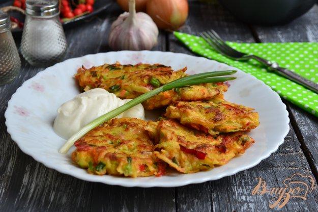 фото рецепта: Оладьи из овощей с куриным фаршем