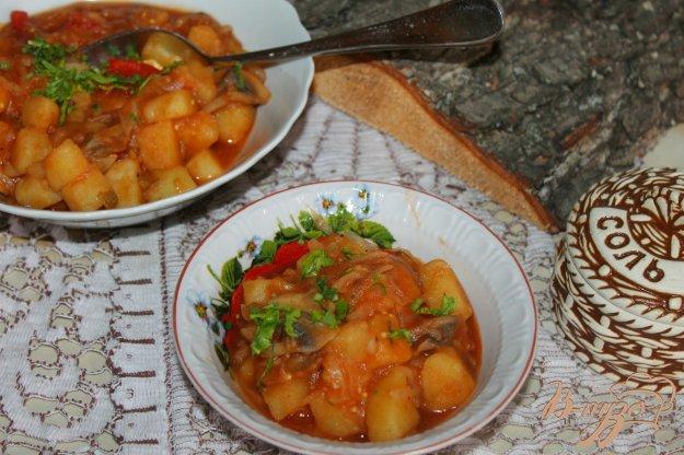 фото рецепта: Рагу с шампиньонами и белокочанной капустой