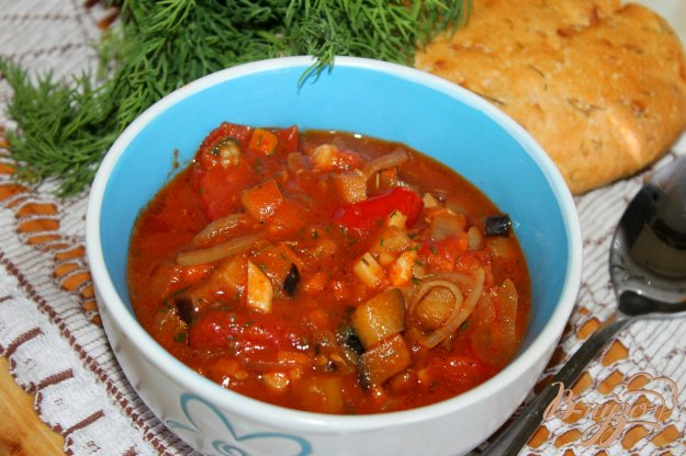 фото рецепта: Подлива из курицы, баклажанов и помидоров