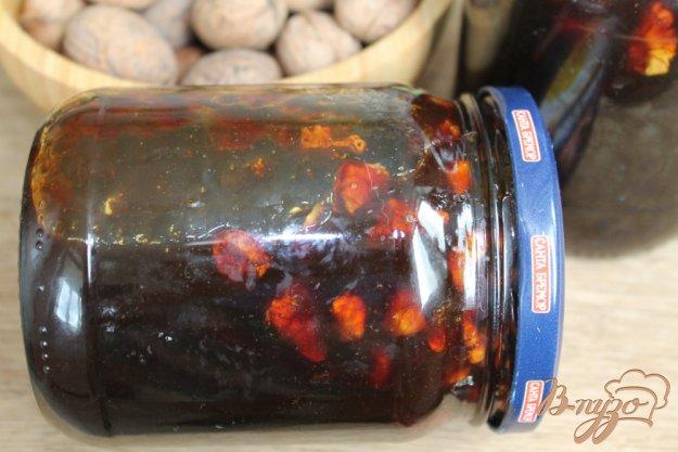 фото рецепта: Джем из алычи с кусочками грецкого ореха