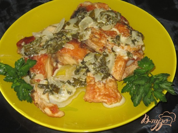 фото рецепта: Жареная рыба под щавелевым соусом