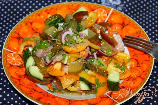 фото рецепта: Салат по - домашнему с солеными огурцами