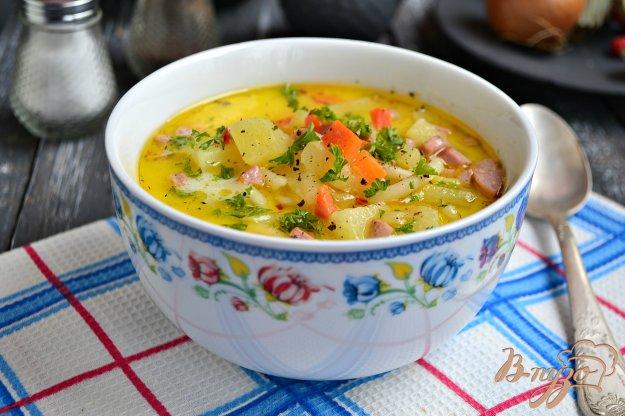 фото рецепта: Суп с плавленным сыром и сосисками