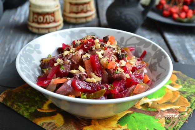 фото рецепта: Постный салат с маринованными грибами