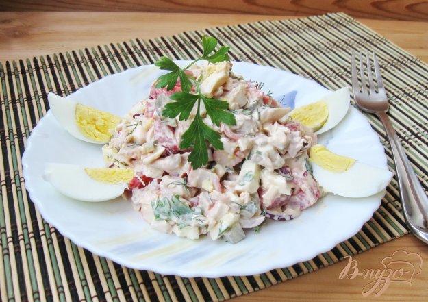 фото рецепта: Салат с крабовыми палочками и курицей