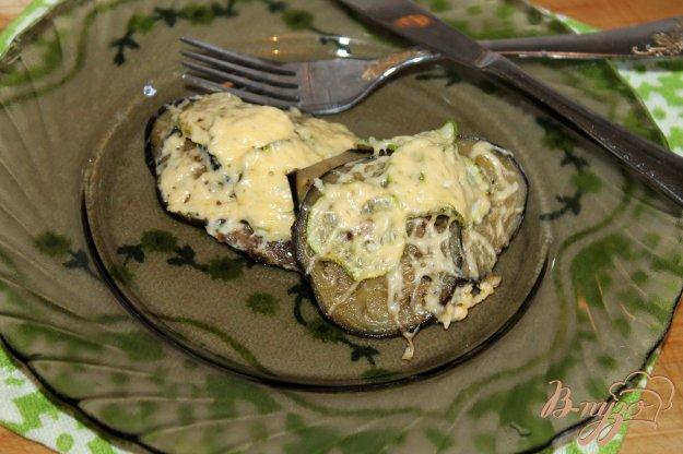 фото рецепта: Отбивные с баклажаном, кабачком и сыром