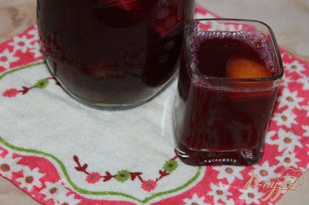 фото рецепта: Виноградный компот с яблоком и шелковицей