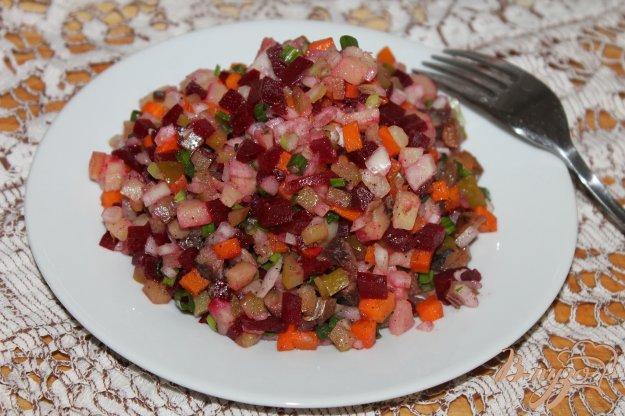 фото рецепта: Винегрет с копченой скумбрией