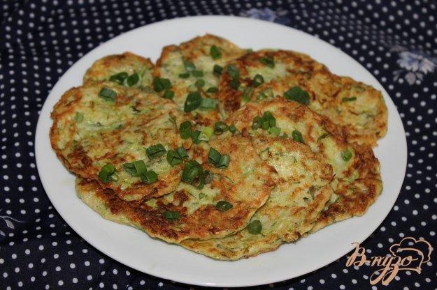 фото рецепта: Кабачковые оладьи с картофелем и укропом