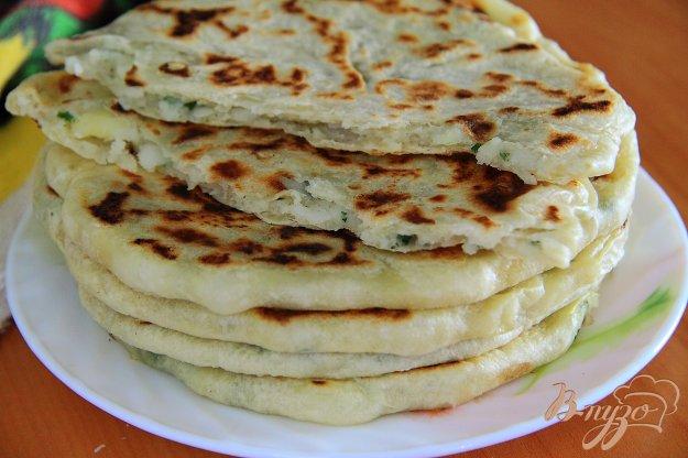 фото рецепта: Алу паратха - индийские лепешки с картофелем и зеленью