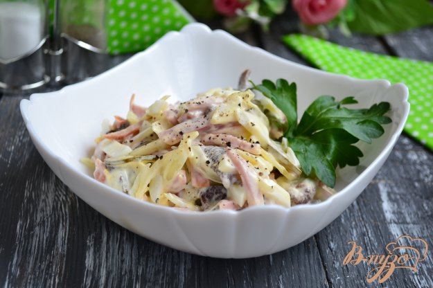 фото рецепта: Салат с ветчиной и маринованными грибами