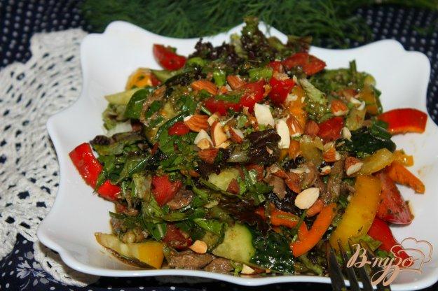 фото рецепта: Салат с мясом и орешками