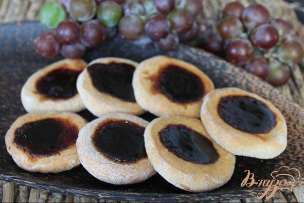 фото рецепта: Ржаное печенье с виноградным джемом