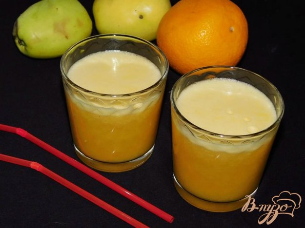 фото рецепта: Яблочно-апельсиновый фреш