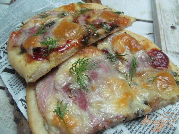 фото рецепта: Пицца с сельдереем и моцареллой