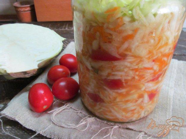 фото рецепта: Квашеная капуста с помидором