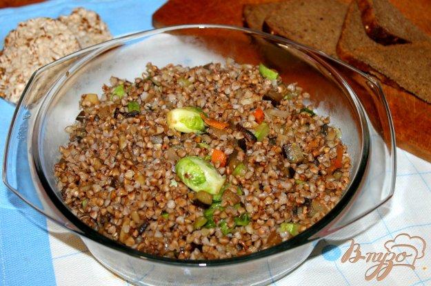фото рецепта: Гречка с брюссельской капустой и грибами