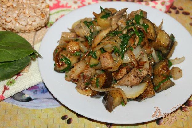 фото рецепта: Жареная свинина с баклажаном и шпинатом