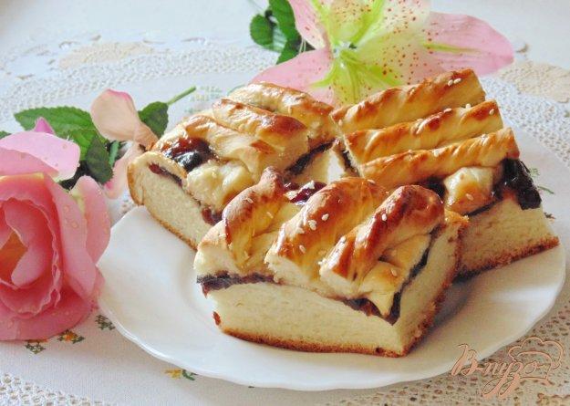 фото рецепта: Пирог со сливовым повидлом