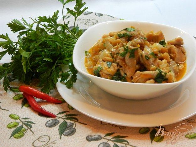 фото рецепта: Мясо с фасолью и зеленью