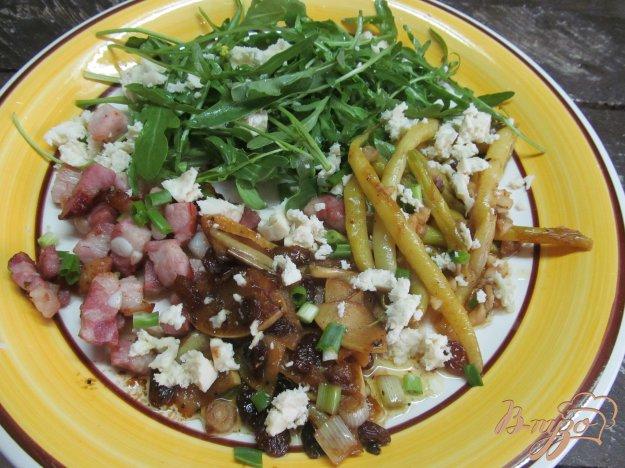 фото рецепта: Теплый салат с беконом яблоком и фасолью