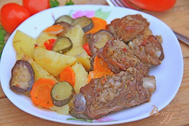 фото рецепта: Ребрышки с овощами в рукаве