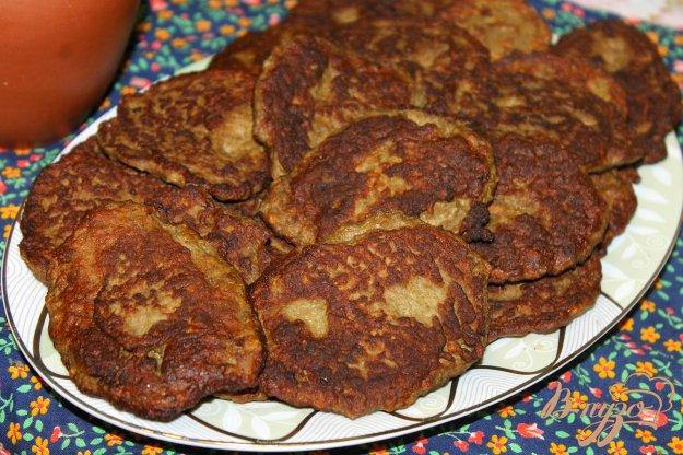 фото рецепта: Печеночные котлеты с картофелем, луком и морковью