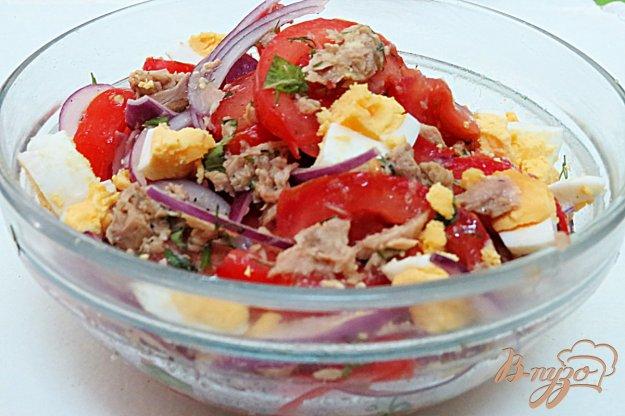 фото рецепта: Салат из тунца и помидоров