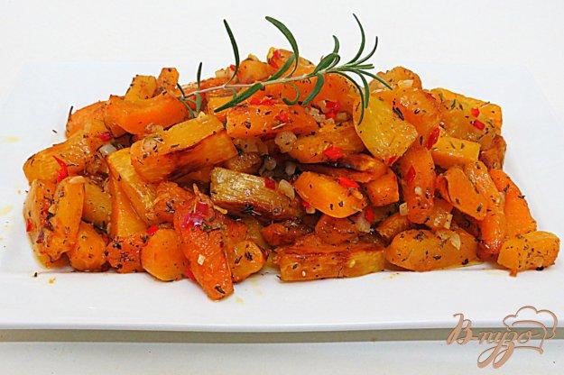 фото рецепта: Жареная пряная тыква с чесноком