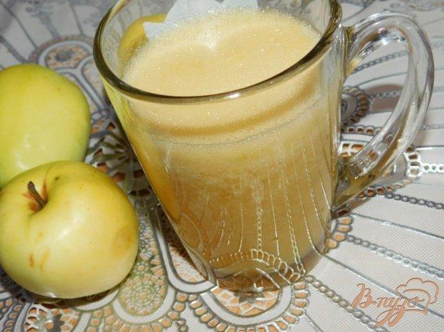 фото рецепта: Яблочно-грушевый коктейль с мандаринами