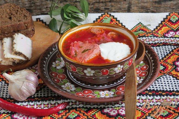 фото рецепта: Борщ со свининой, отварной свеклой и помидорами