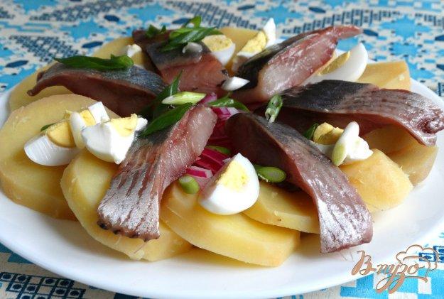 фото рецепта: Салат с сельдью и картофелем