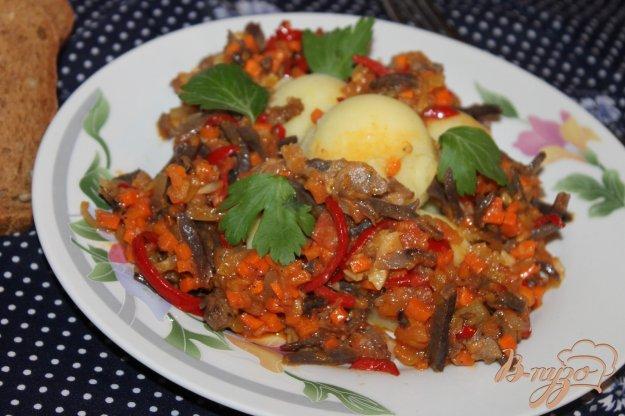 фото рецепта: Картофельное пюре с мясной подливой