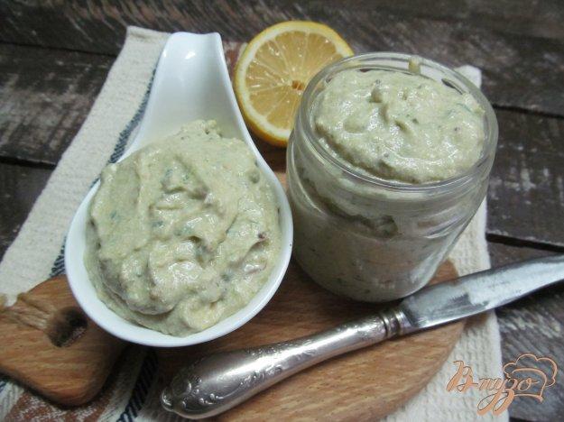 фото рецепта: Паштет из соленой сельди с сыром и брокколи