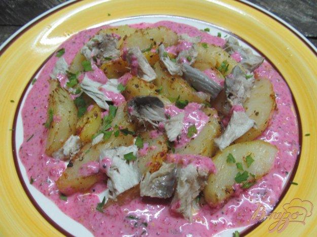 фото рецепта: Салат с печеным картофелем и рыбой горячего копчения