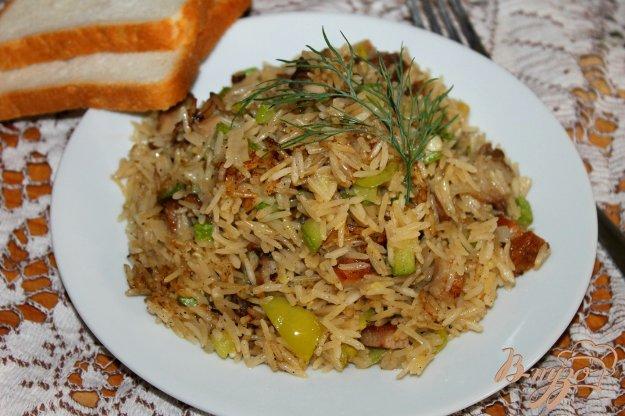 фото рецепта: Рис со свининой и кабачком на сковороде