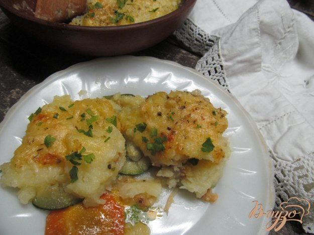 фото рецепта: Слоеная запеканка с хеком и овощами