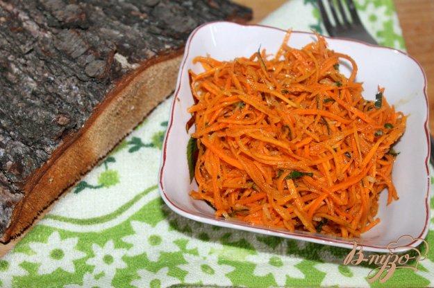 фото рецепта: Морковь по - корейски с базиликом