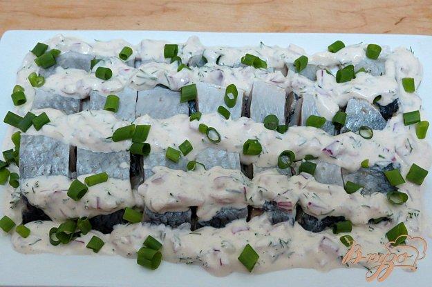 фото рецепта: Сельдь в сметанно-майонезном соусе