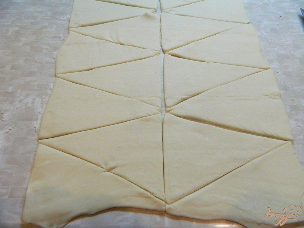 Фото приготовление рецепта: Рогалики из слоеного теста с яблоками шаг №1