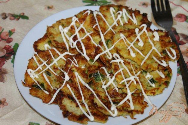 фото рецепта: Картофельные драники с цветной капустой и зеленью