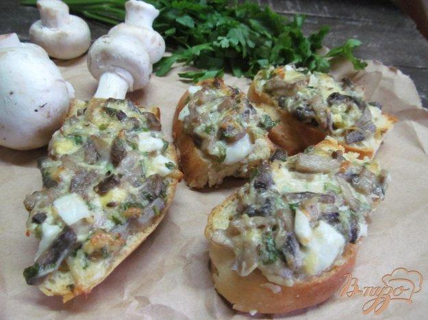 фото рецепта: Горячие бутерброды с грибами